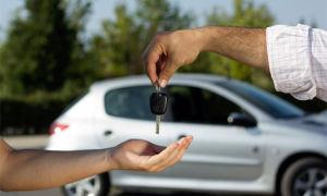 Сколько стоит вписать в страховку водителя без стажа в 2020 году